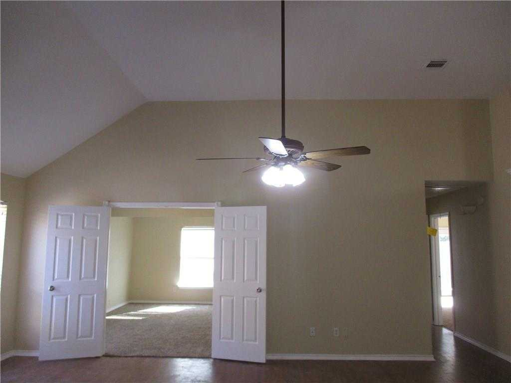 - 2Br/2Ba -  for Sale in Meadow Park, Grand Prairie