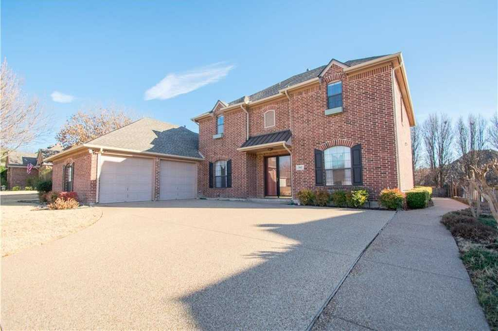 - 5Br/4Ba -  for Sale in Vista Ridge Add, Fort Worth