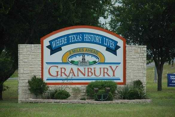$3,500 - Br/Ba -  for Sale in Comanche Harbor Sec E, Granbury