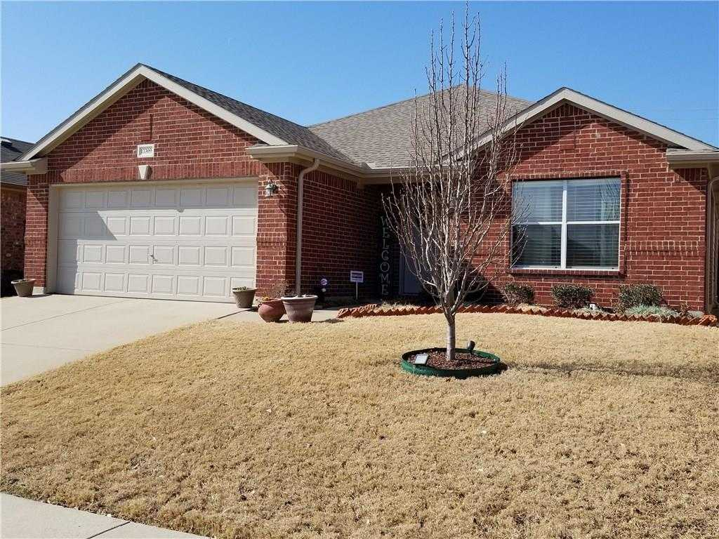 $220,000 - 3Br/2Ba -  for Sale in Vista Greens, Fort Worth