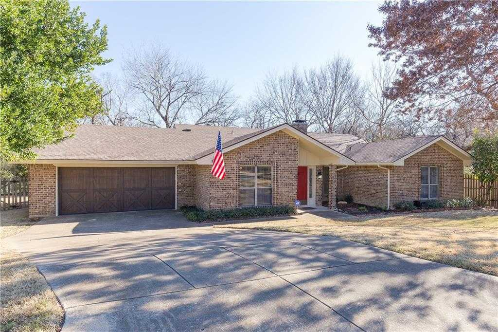 $499,900 - 3Br/3Ba -  for Sale in Berkeley, Fort Worth