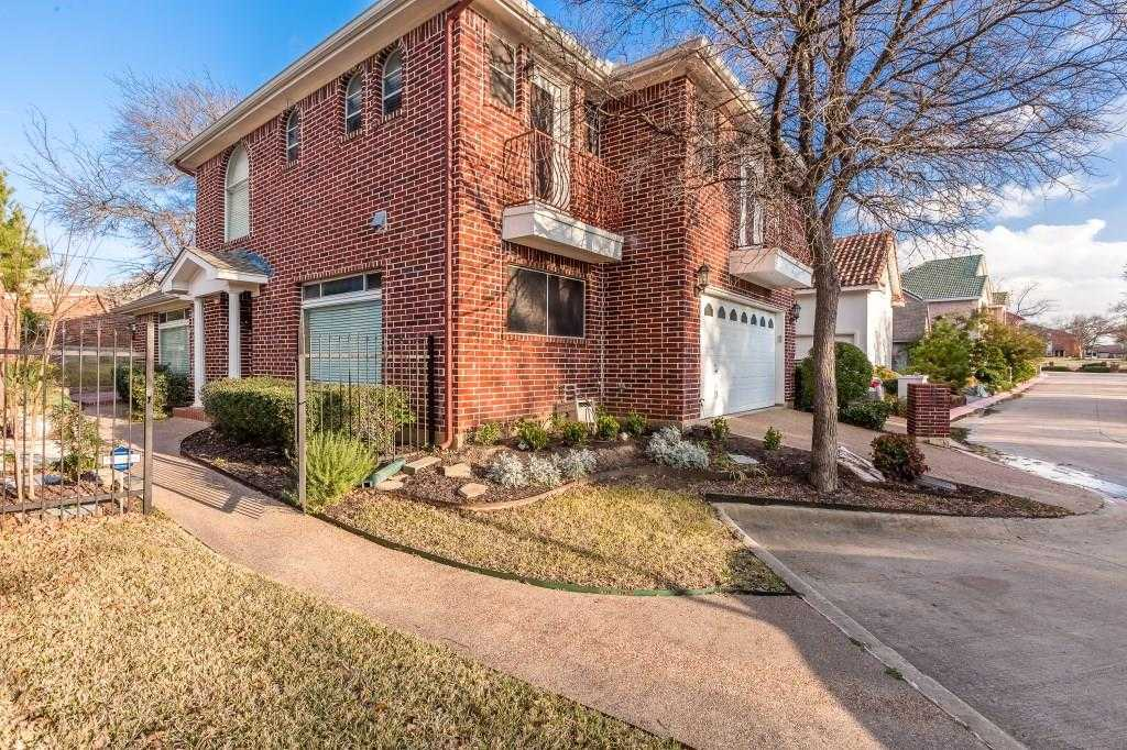 $288,000 - 3Br/3Ba -  for Sale in Forest Pointe Estates, Euless