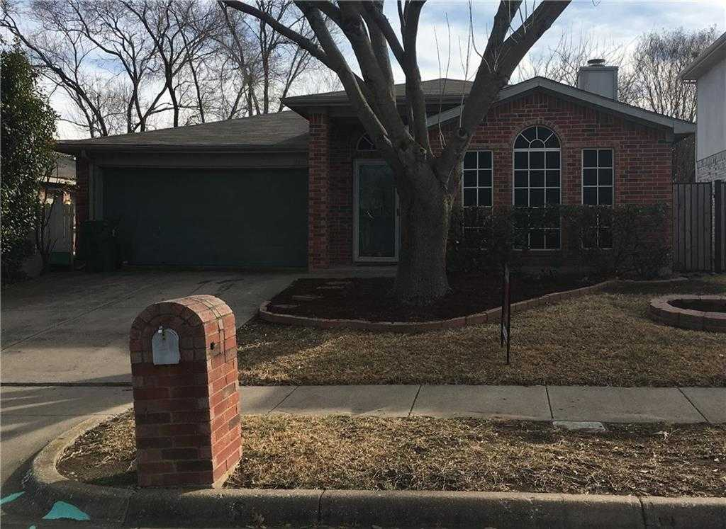 $179,900 - 3Br/2Ba -  for Sale in Winding Creek Add, Arlington