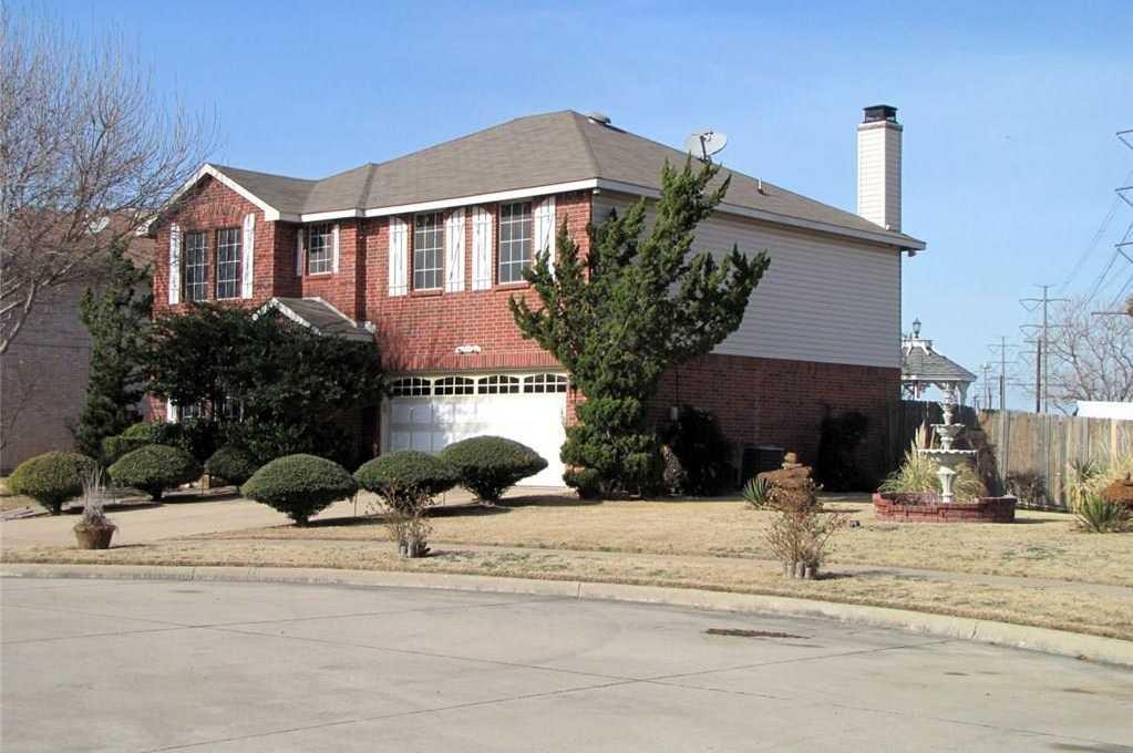 $250,000 - 3Br/3Ba -  for Sale in Cimmaron Estates, Grand Prairie