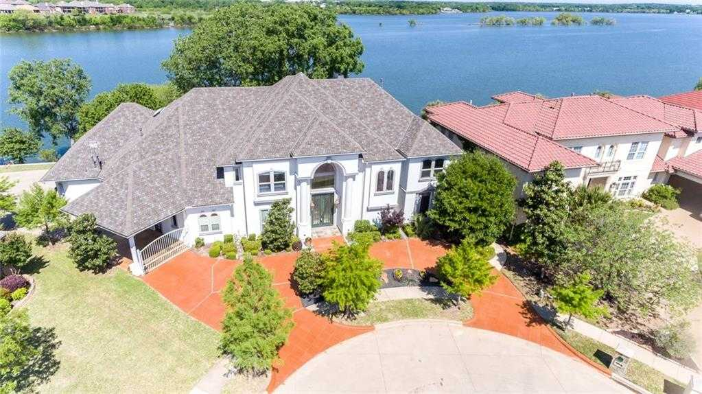 $999,999 - 4Br/5Ba -  for Sale in Enchanted Bay Add, Arlington