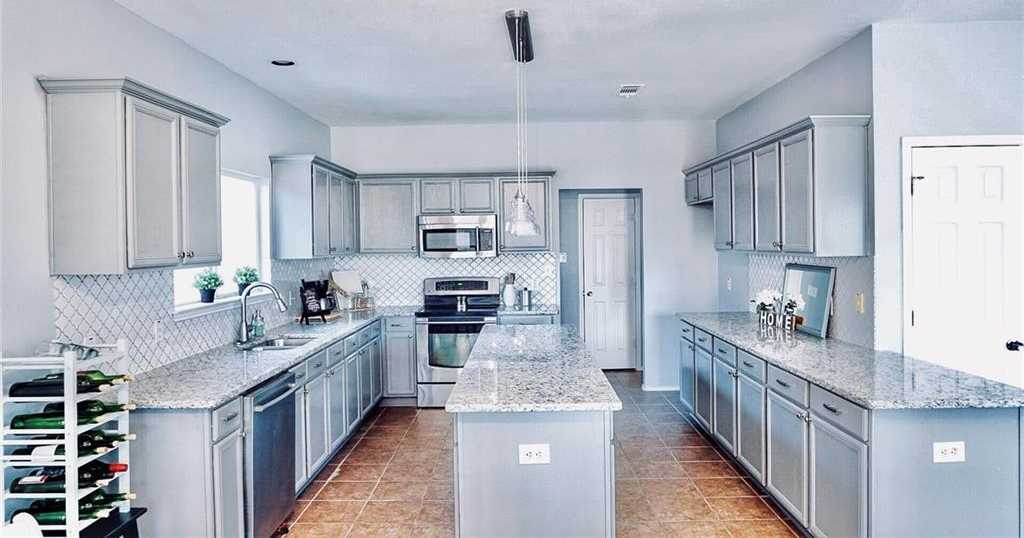 $289,900 - 4Br/3Ba -  for Sale in Fossil Park Add, Fort Worth