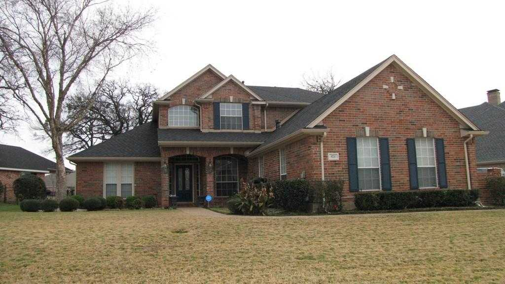 - 4Br/4Ba -  for Sale in Village At Walnut Creek, Mansfield