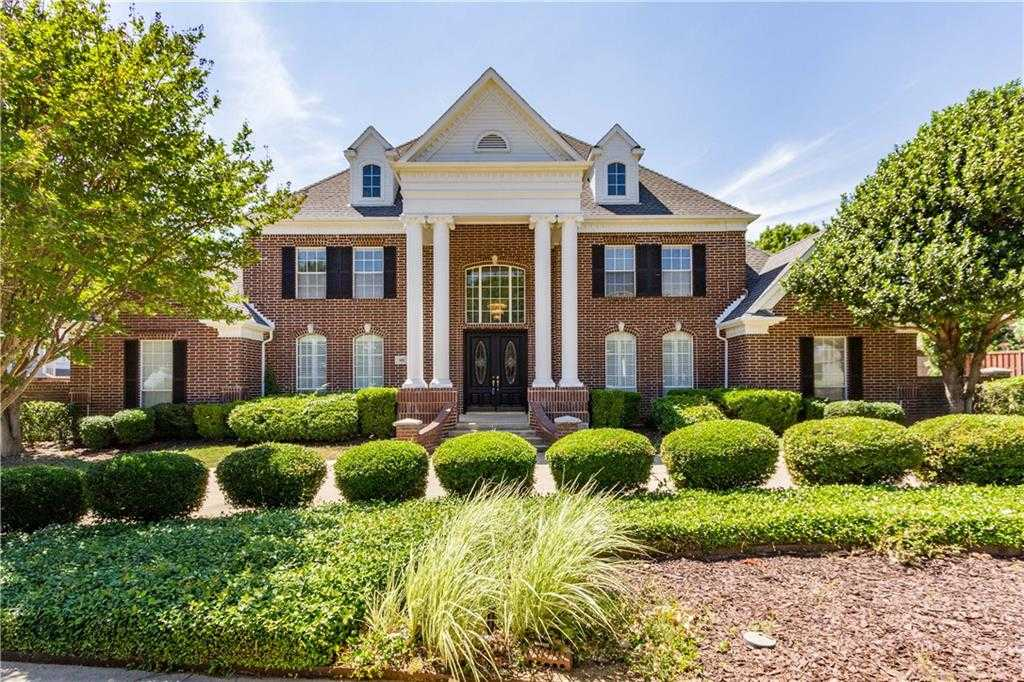 $744,900 - 5Br/5Ba -  for Sale in Northlake Woodlands East 12, Coppell