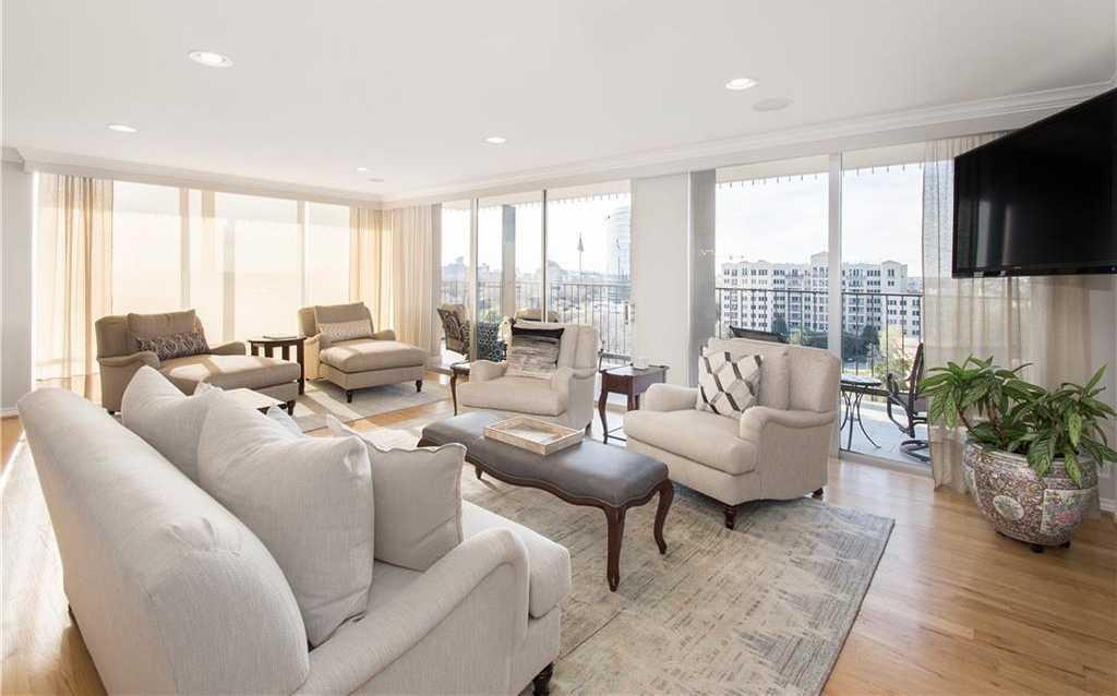 $595,000 - 2Br/2Ba -  for Sale in Park Towers Condo, Dallas