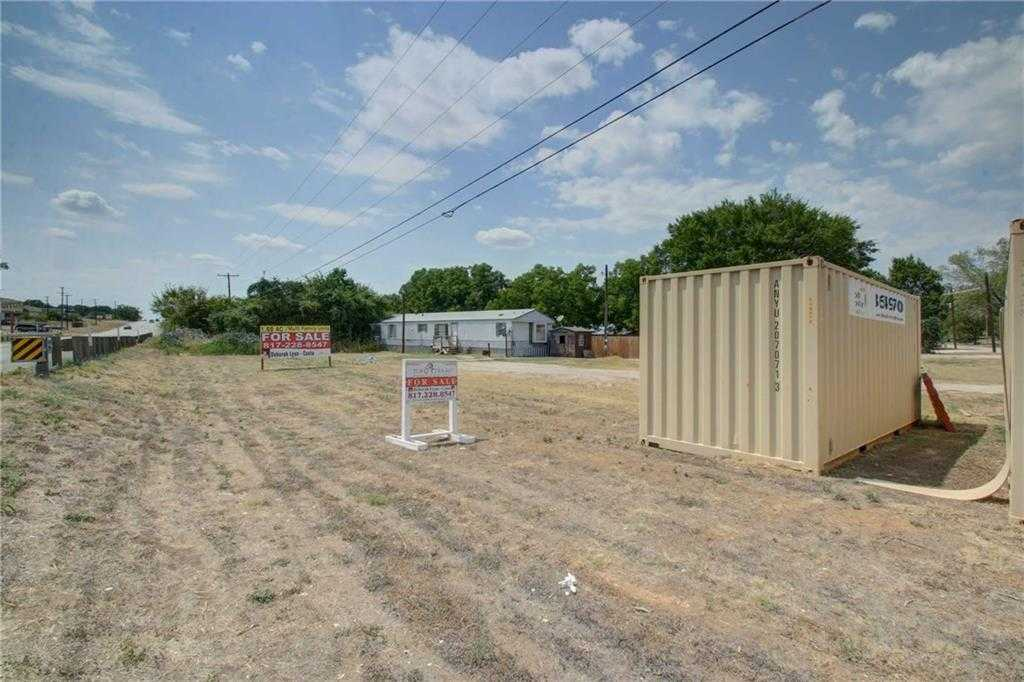 $375,000 - Br/Ba -  for Sale in Carpenters Mobile Acres, Burleson