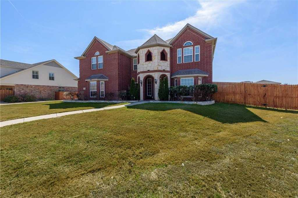 $499,900 - 4Br/4Ba -  for Sale in Sendera Ranch, Fort Worth