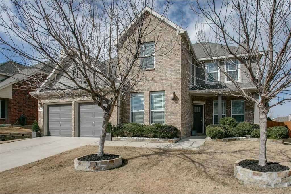 - 4Br/3Ba -  for Sale in Villages Of Woodland Spgs, Fort Worth