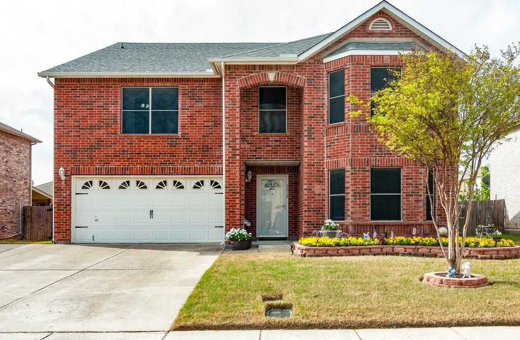 $287,500 - 4Br/3Ba -  for Sale in Fossil Spgs Add, Haltom City