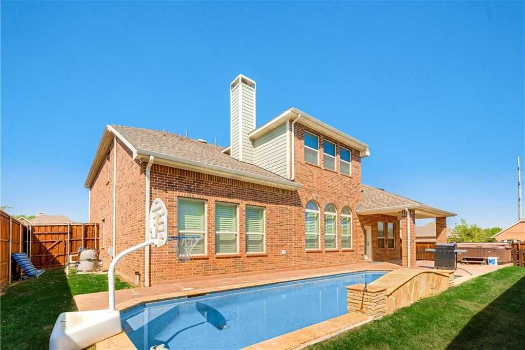 $540,000 - 4Br/4Ba -  for Sale in Creekwood Estates, Euless
