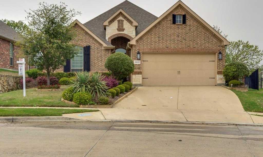$340,000 - 4Br/3Ba -  for Sale in Fairways At Fossil Creek, Fort Worth