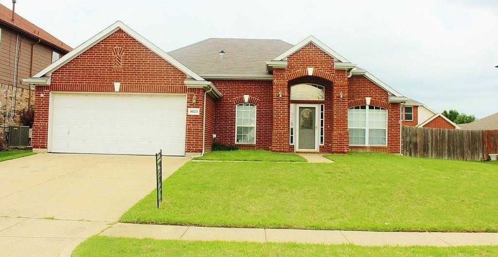 - 3Br/2Ba -  for Sale in Westchester Valley Ph 01, Grand Prairie
