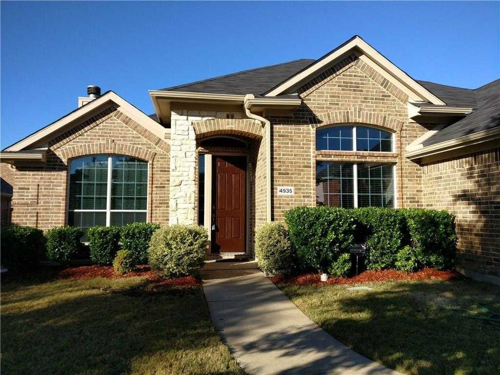 - 3Br/2Ba -  for Sale in High Hawk At Martins Meadow, Grand Prairie