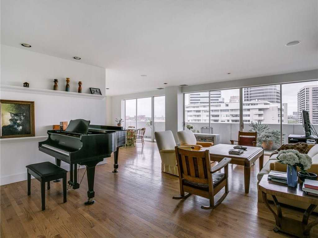 $585,000   2Br/2Ba   For Sale In Gold Crest Condo, Dallas