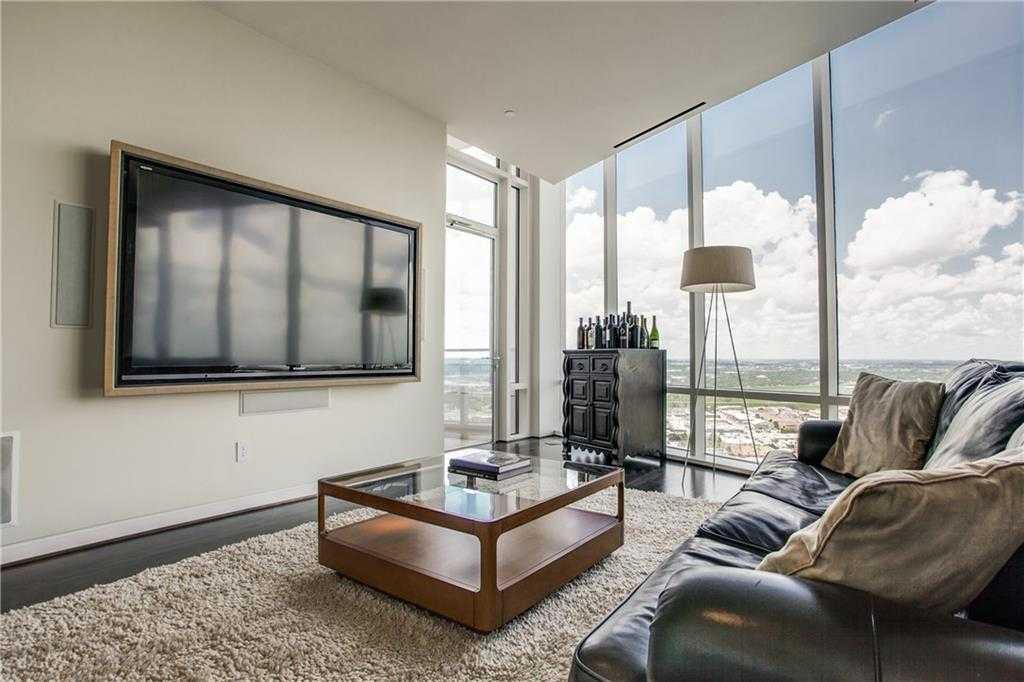 - 1Br/1Ba -  for Sale in Block C Condominiums, Dallas