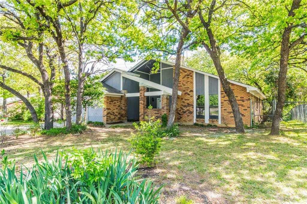 $199,900 - 3Br/2Ba -  for Sale in Indian Oaks Estates, Arlington