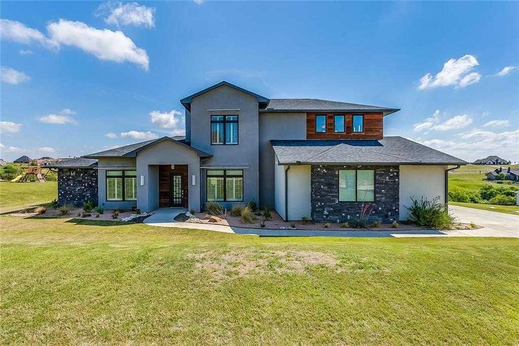 $619,900 - 4Br/5Ba -  for Sale in Bella Flora, Fort Worth