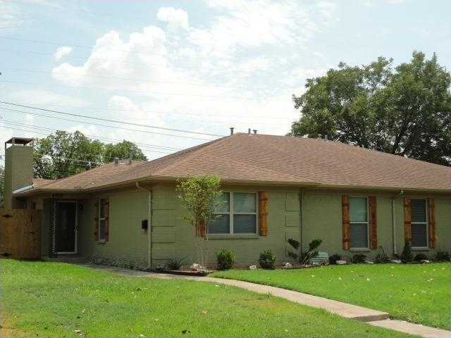 - 3Br/2Ba -  for Sale in Westcliff Add, Fort Worth