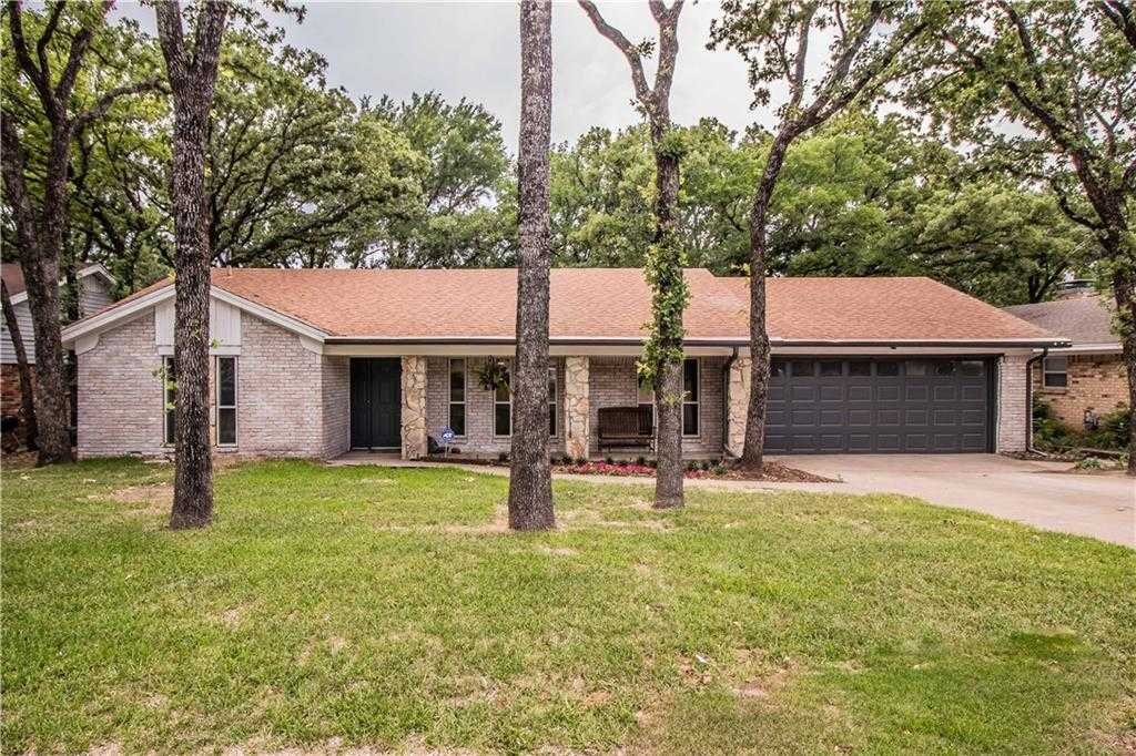 $235,000 - 3Br/2Ba -  for Sale in Wilshire Village Add, Euless
