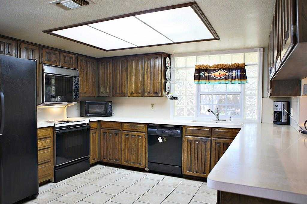 $175,000 - 3Br/2Ba -  for Sale in High Meadows Add, Arlington