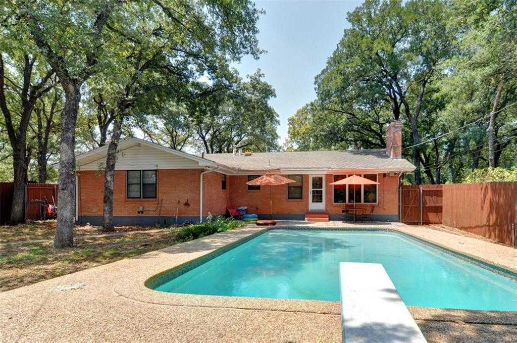 - 3Br/2Ba -  for Sale in Lynnhaven Add, Fort Worth