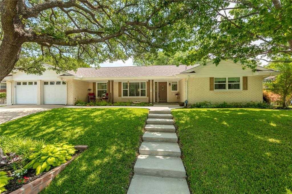 $390,000 - 4Br/3Ba -  for Sale in Ridgmar Add, Fort Worth