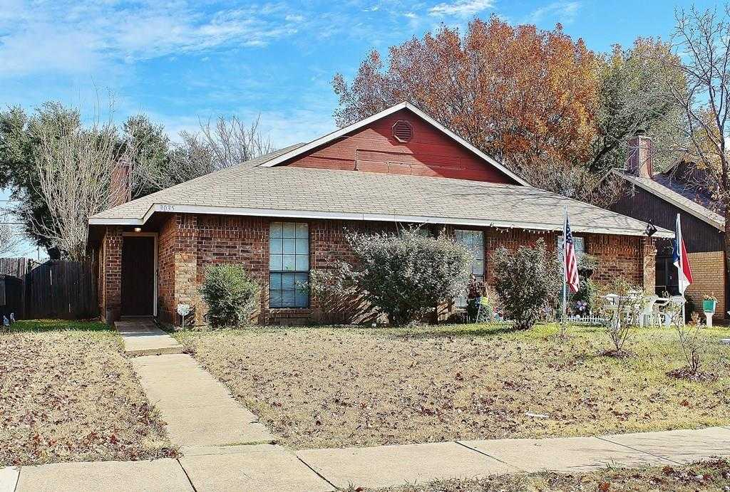 - 3Br/2Ba -  for Sale in Park Square 02 Rep, Grand Prairie
