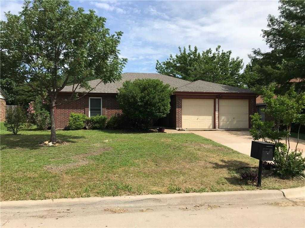 - 3Br/2Ba -  for Sale in Hillcrest West Add, Mansfield