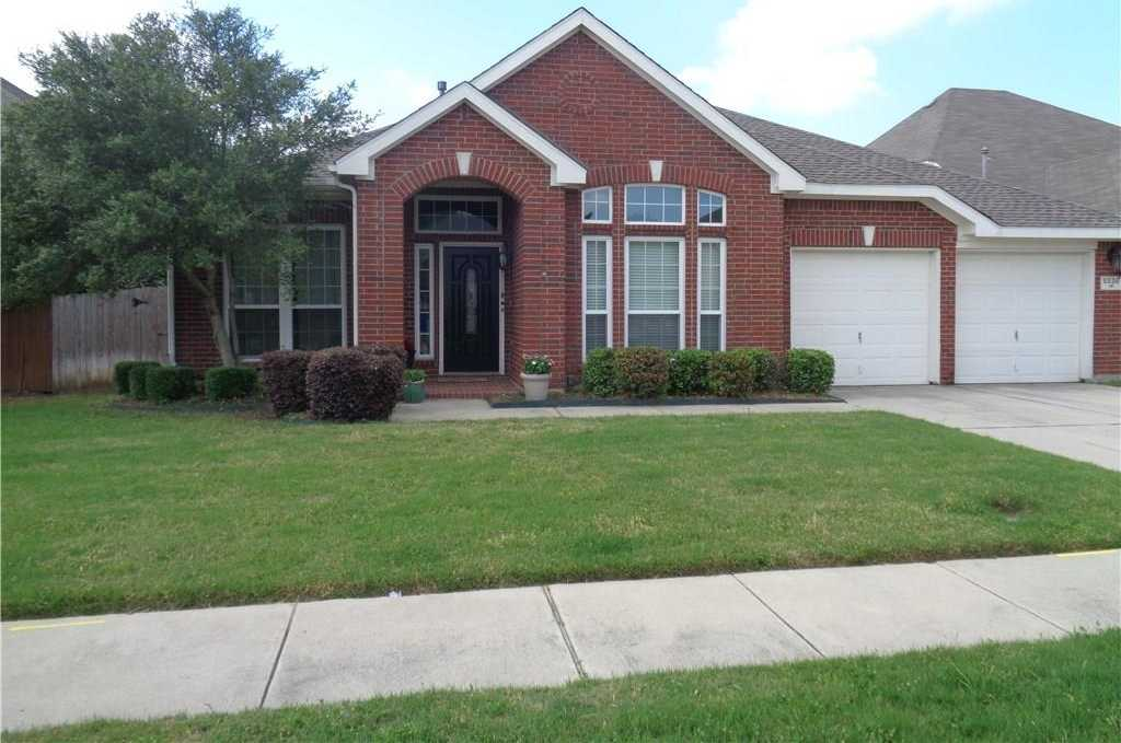 $300,000 - 4Br/3Ba -  for Sale in Parkwood Hill Add, Fort Worth