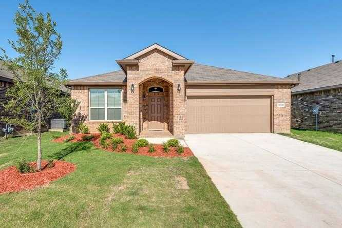 - 3Br/2Ba -  for Sale in Hawthorne Meadows, Fort Worth