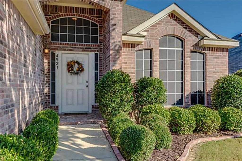 $181,900 - 3Br/2Ba -  for Sale in Sterling Creek Add, Fort Worth
