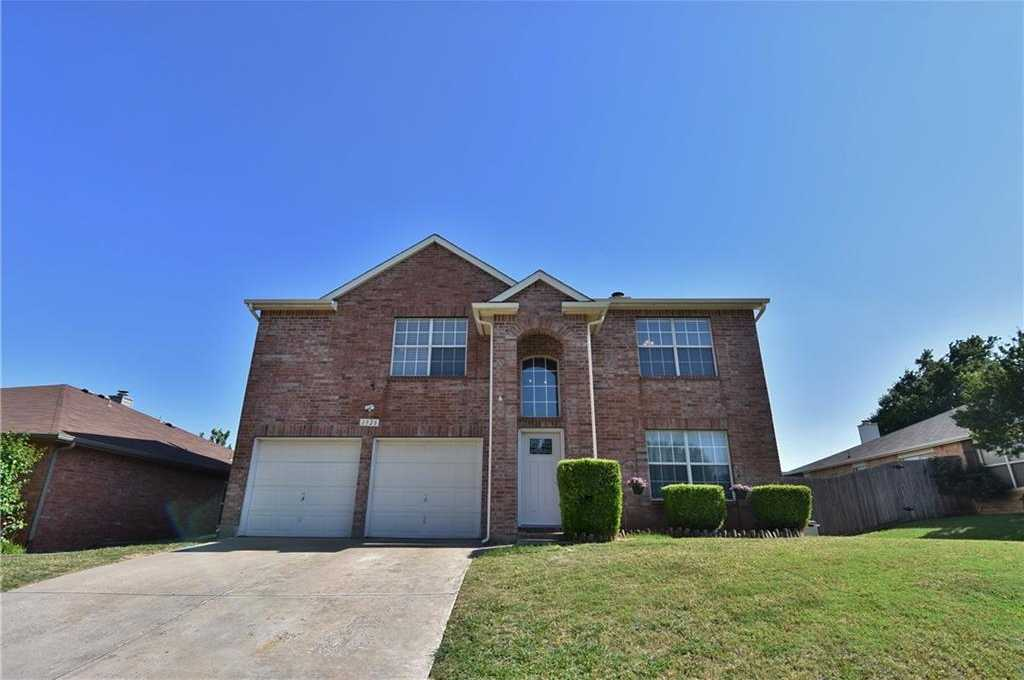 $225,000 - 3Br/3Ba -  for Sale in Heritage Hill Sub, Fort Worth