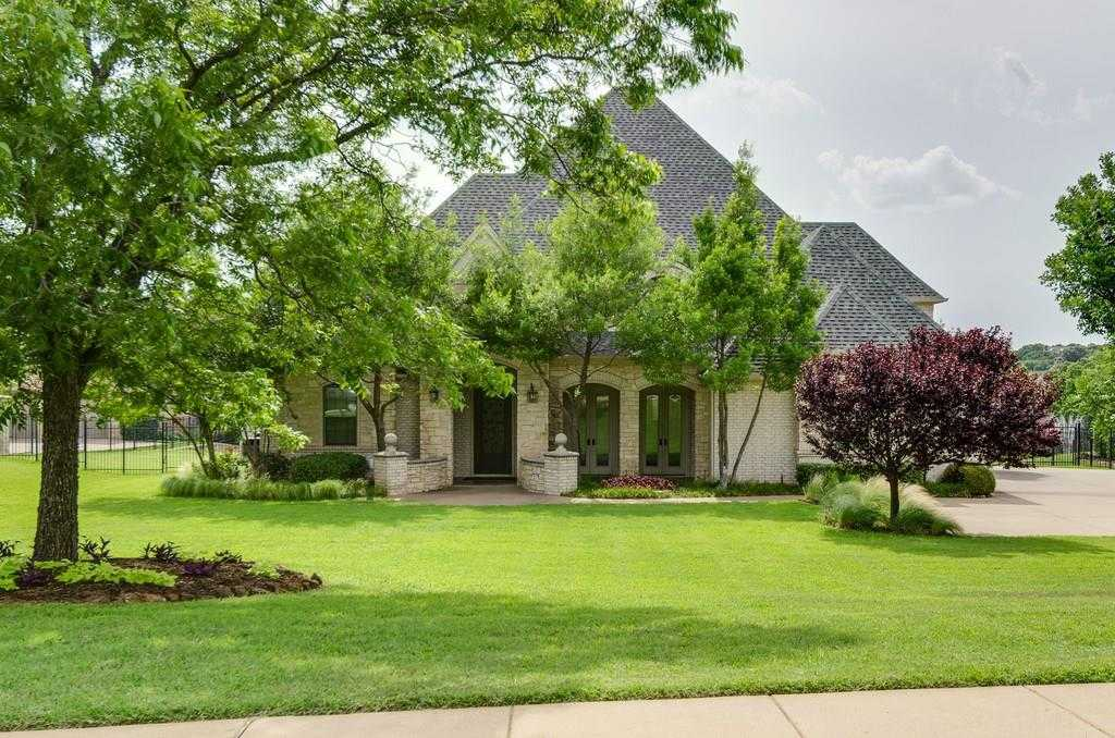 $899,000 - 5Br/3Ba -  for Sale in Maass Estates, Colleyville
