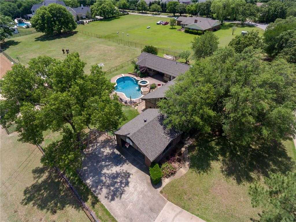 $950,000 - 4Br/3Ba -  for Sale in William E Crooks, Survey, Colleyville