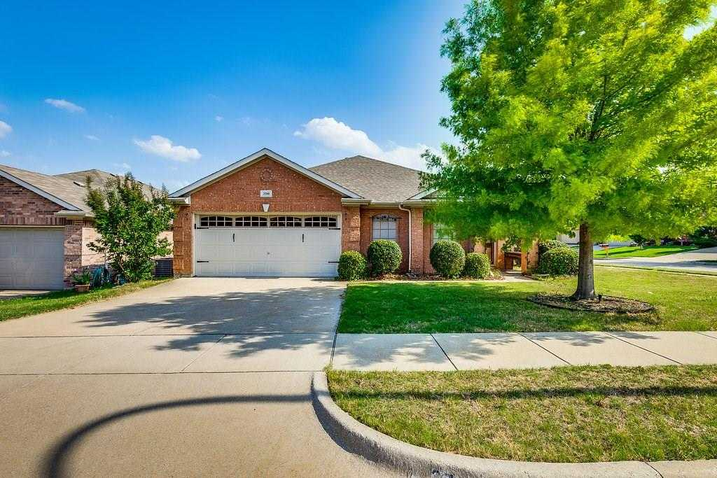 $225,000 - 3Br/2Ba -  for Sale in Vista Greens, Fort Worth