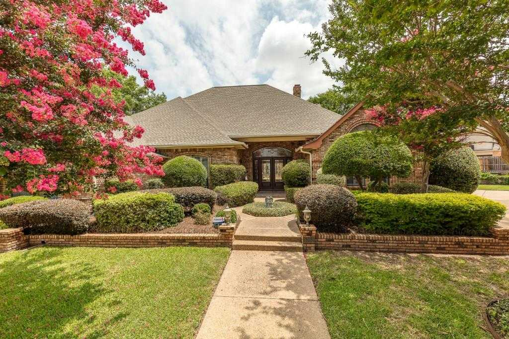 $545,000 - 4Br/4Ba -  for Sale in Emerald Park Add, Arlington