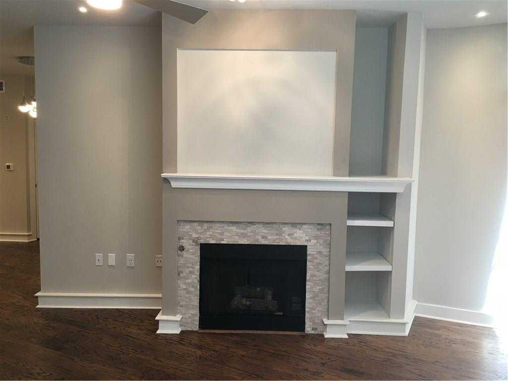 - 1Br/1Ba -  for Sale in Van Zandt Hillside Addition, Fort Worth