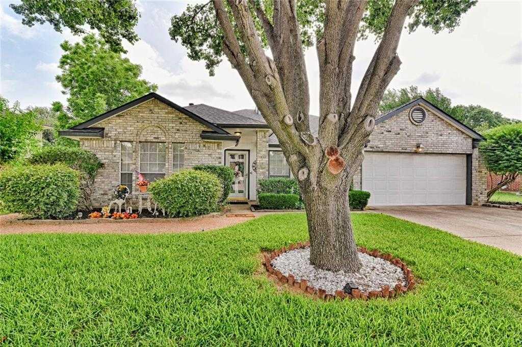$245,000 - 3Br/2Ba -  for Sale in Garden Oaks Add, Grand Prairie