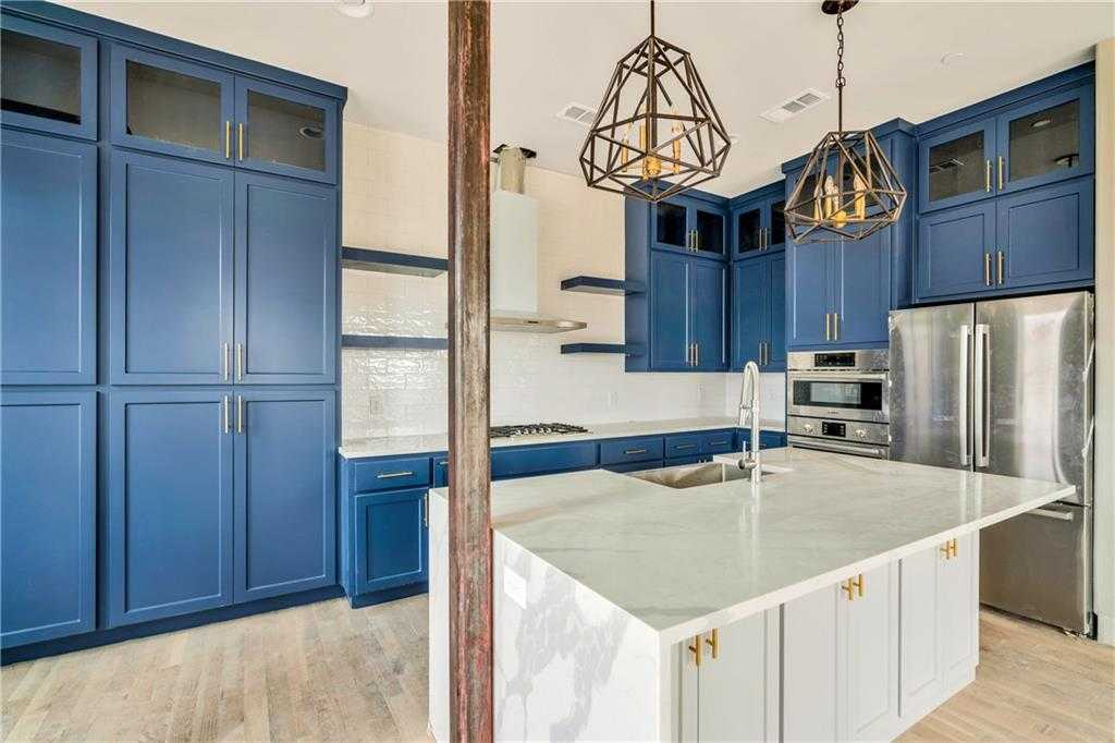 $385,000 - 2Br/3Ba -  for Sale in Bassett Addition, Fort Worth