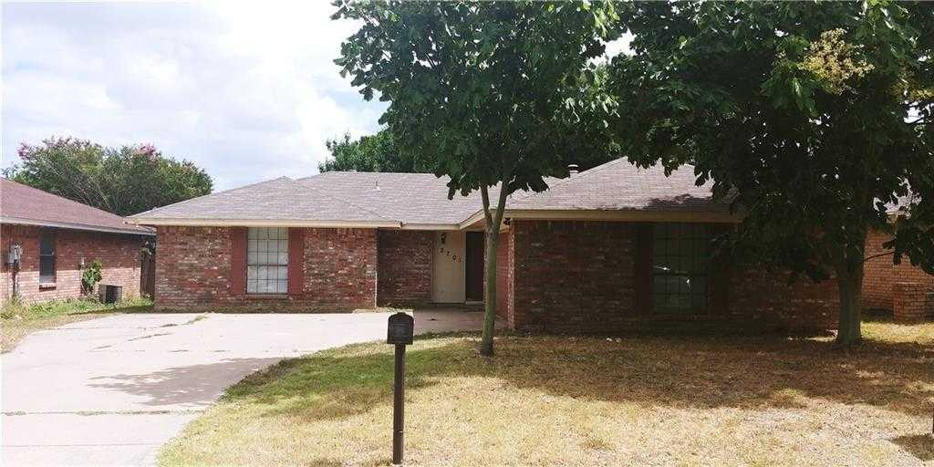 $150,000 - 3Br/2Ba -  for Sale in South Meadow Add, Fort Worth