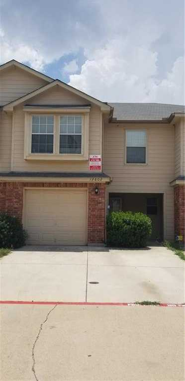 - 3Br/3Ba -  for Sale in Newport Village At Trinity, Fort Worth