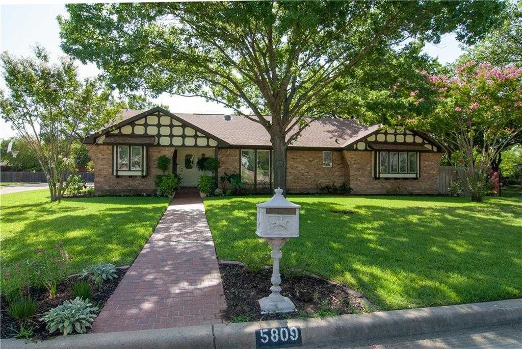 $385,000 - 3Br/3Ba -  for Sale in Briarwood Colleyville, Colleyville