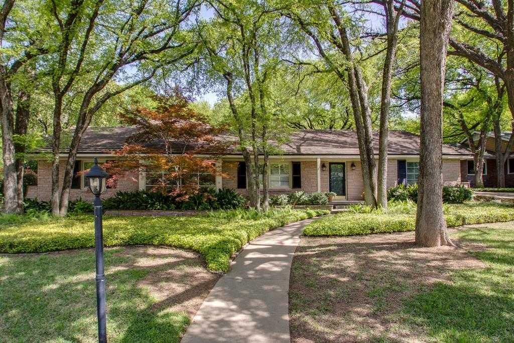 $799,900 - 5Br/4Ba -  for Sale in Overton Park, Fort Worth