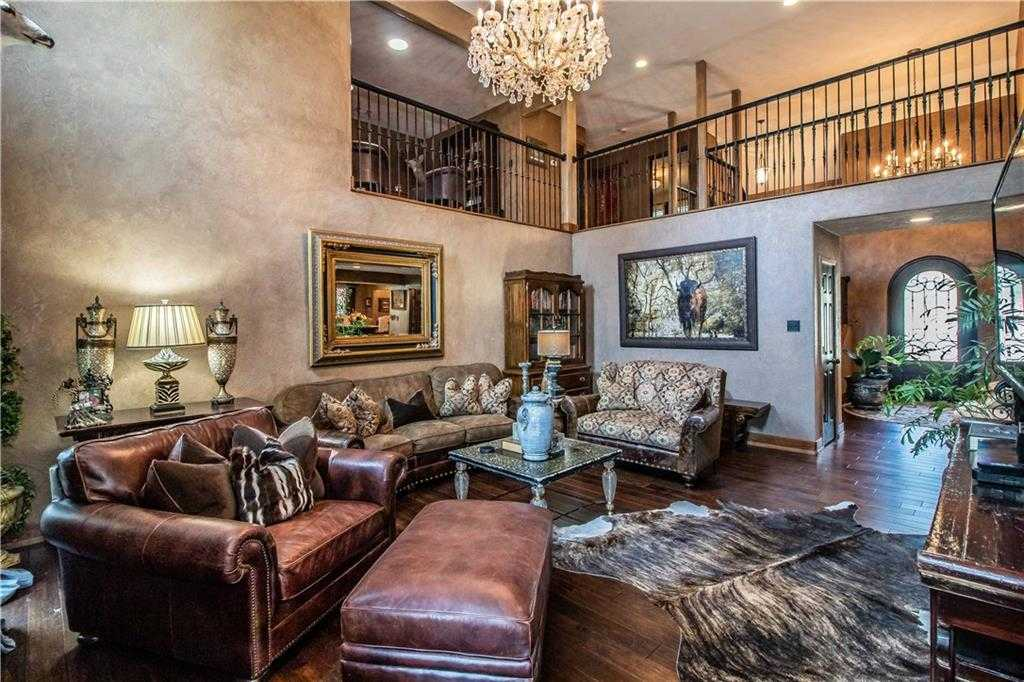 $444,900 - 4Br/4Ba -  for Sale in Murwick Add, Arlington