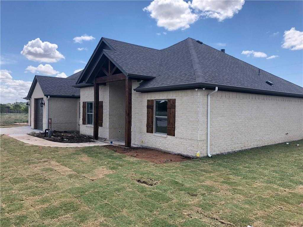 $311,000 - 3Br/2Ba -  for Sale in Pyramid Acres Sub, Fort Worth