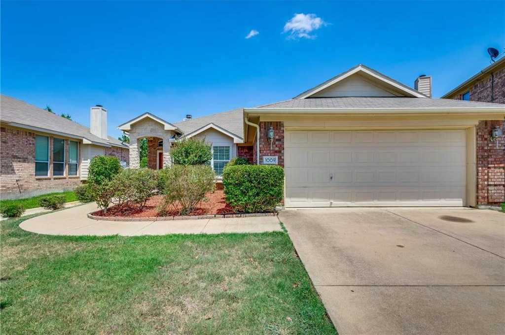 $273,500 - 4Br/2Ba -  for Sale in Creek Bend Euless, Euless